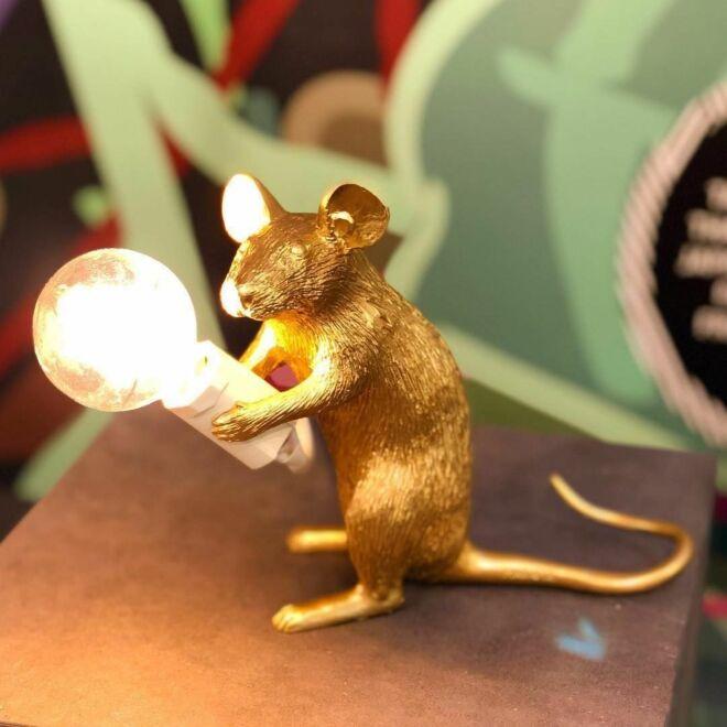 Mouse tafellamp Seletti zittend goud