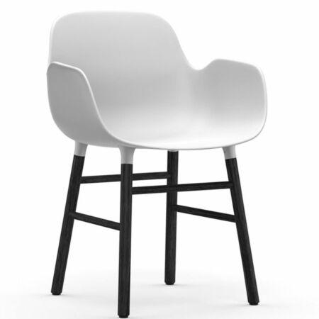 Form Armchair stoel Normann Copenhagen zwart eiken - wit