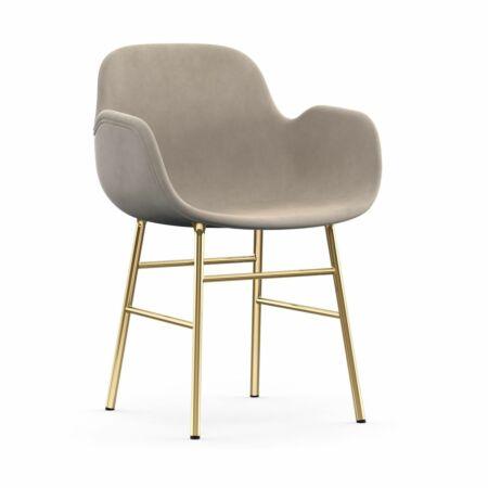 Form Armchair stoel Normann Copenhagen messing - velvet beige