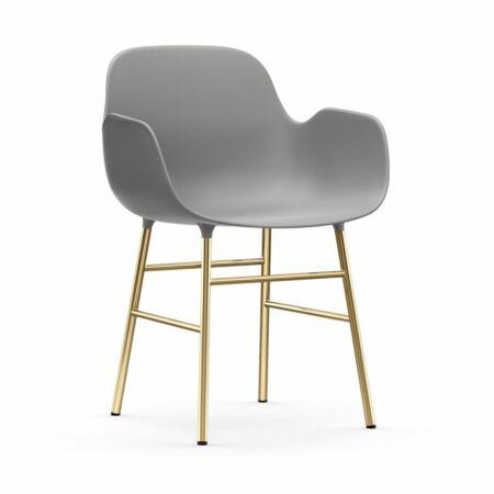 Form Armchair stoel Normann Copenhagen messing - grijs