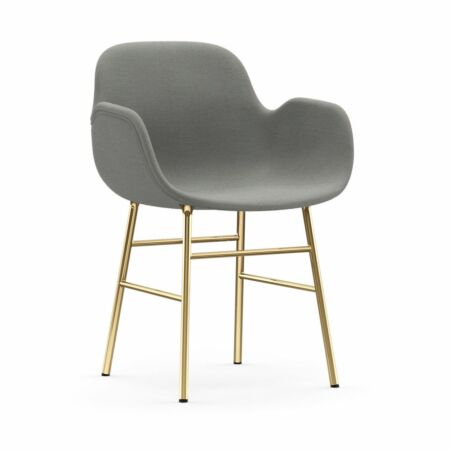 Form Armchair stoel Normann Copenhagen messing - stof midgrijs