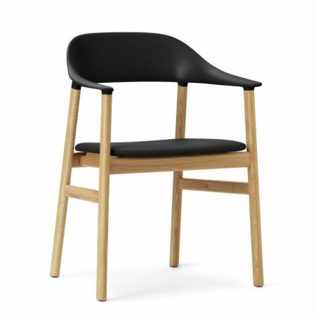 Herit Armchair stoel Normann Copenhagen naturel - leder zwart