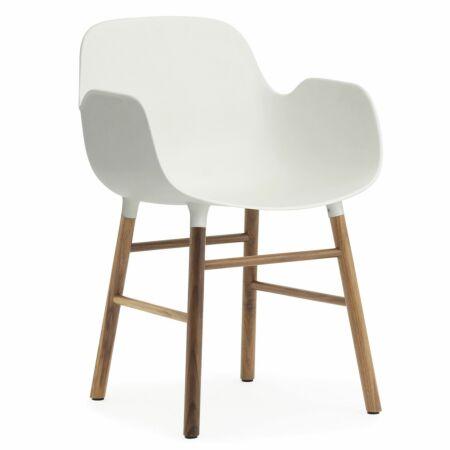 Form Armchair stoel Normann Copenhagen walnoot - wit