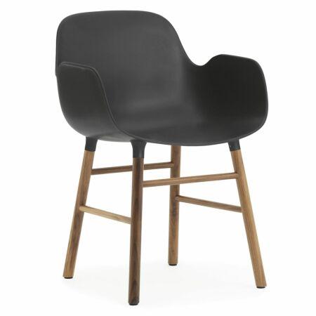 Form Armchair stoel Normann Copenhagen walnoot - zwart